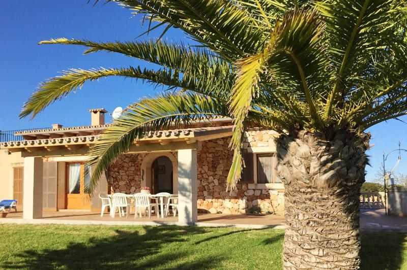 Blick auf die Finca 2 Mallorca Ostküste PM 6343 für 6 - 7 Personen