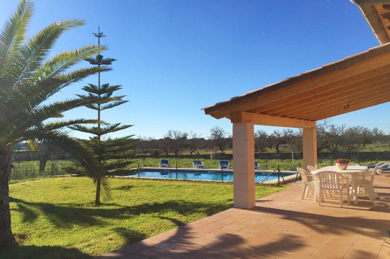 Terrasse und Poolblick Finca Mallorca Ostküste PM 6343 für 6 - 7 Personen