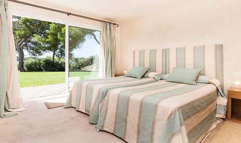 Schlafzimmer Luxusvilla Mallorca 10 Personen PM 6510