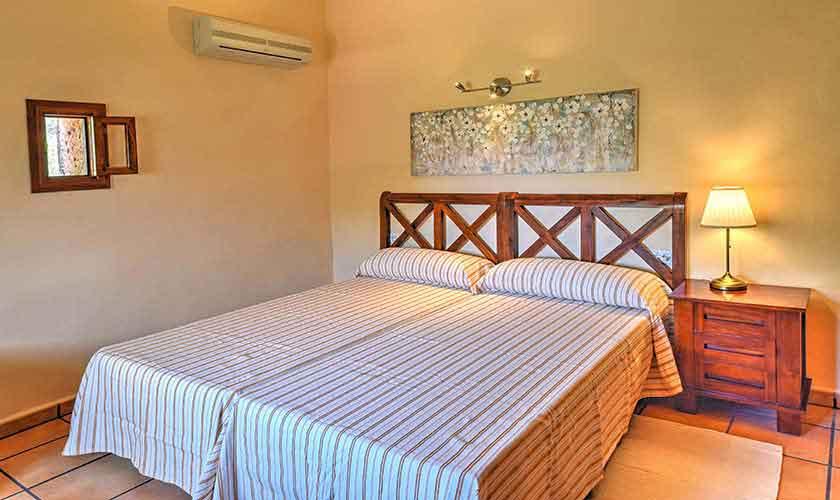 Schlafzimmer Finca Mallorca 8 Personen PM 6564