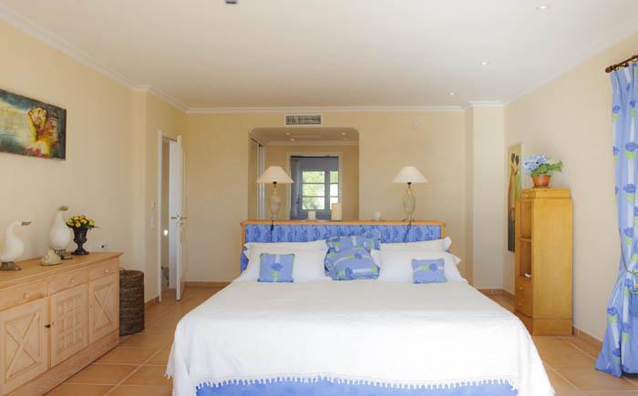3. Schlafzimmer Ferienhaus Meerblick Pool PM 6575 Mallorca Südosten