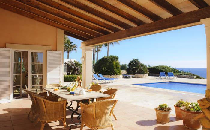 Überdachte Terrasse mit Meerblick Ferienhaus Mallorca Südosten PM 6575