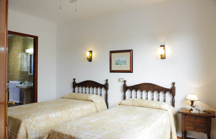 Schlafzimmer Ferienhaus Mallorca am Meer mit Pool für 8 Personen PM 6576