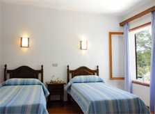 Schlafzimmer3  Ferienhaus Mallorca mit Meerzugang Personen PM 6576