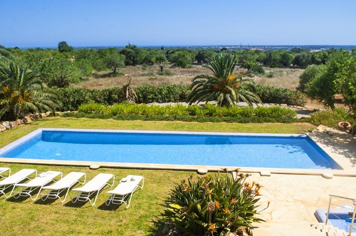 Poolblick und Landschaft Ferienfinca PM 6579 Mallorca Südosten