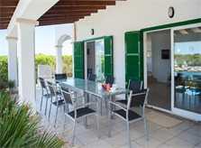 Terrasse mit Essplatz Ferienhaus am Meer Mallorca Südosten PM 6581