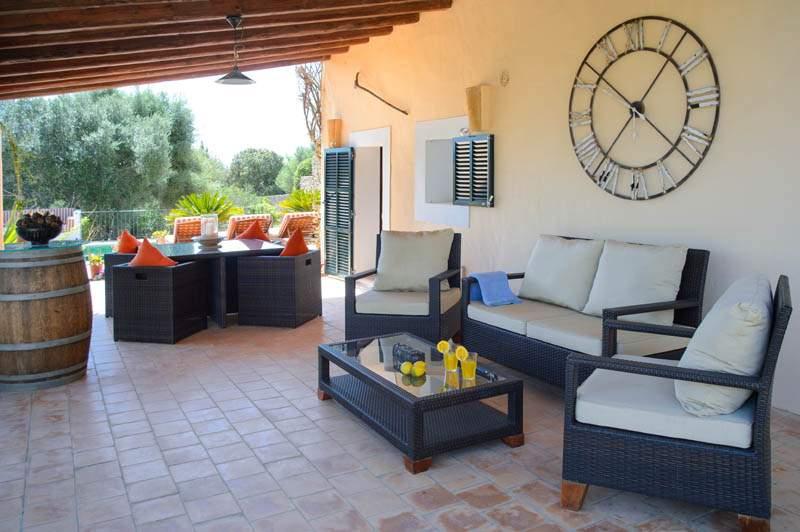 Terrasse der Finca Mallorca PM 6583 im Südosten
