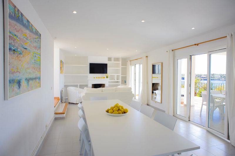 Wohnraum mit Esstisch Ferienvilla Mallorca für 12 Personen PM 6584