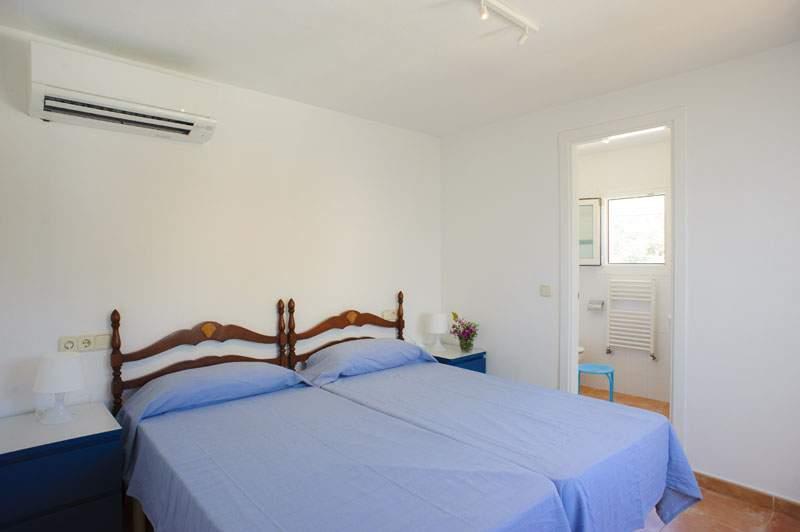 Schlafzimmer 5 Ferienvilla Mallorca für 12 Personen PM 6584