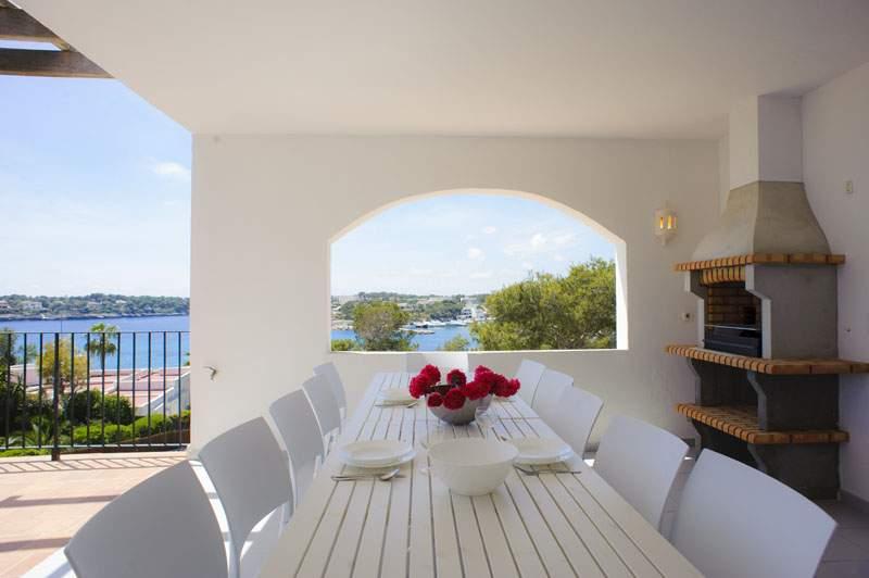 Terrasse mit Essplatz Ferienvilla Mallorca für 12 Personen PM 6584