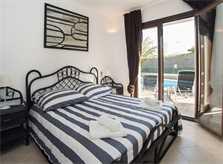 Schlafzimmer 3 Ferienhaus Mallorca Südosten für 12 Personen PM 6587