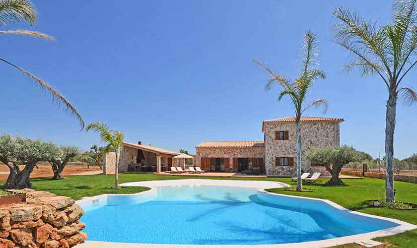 Großer Pool und Finca Mallorca Süden PM 6930
