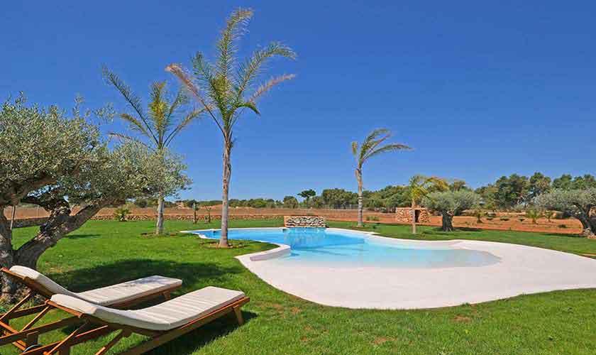 Pool und Liegen Finca Mallorca Süden PM 6930